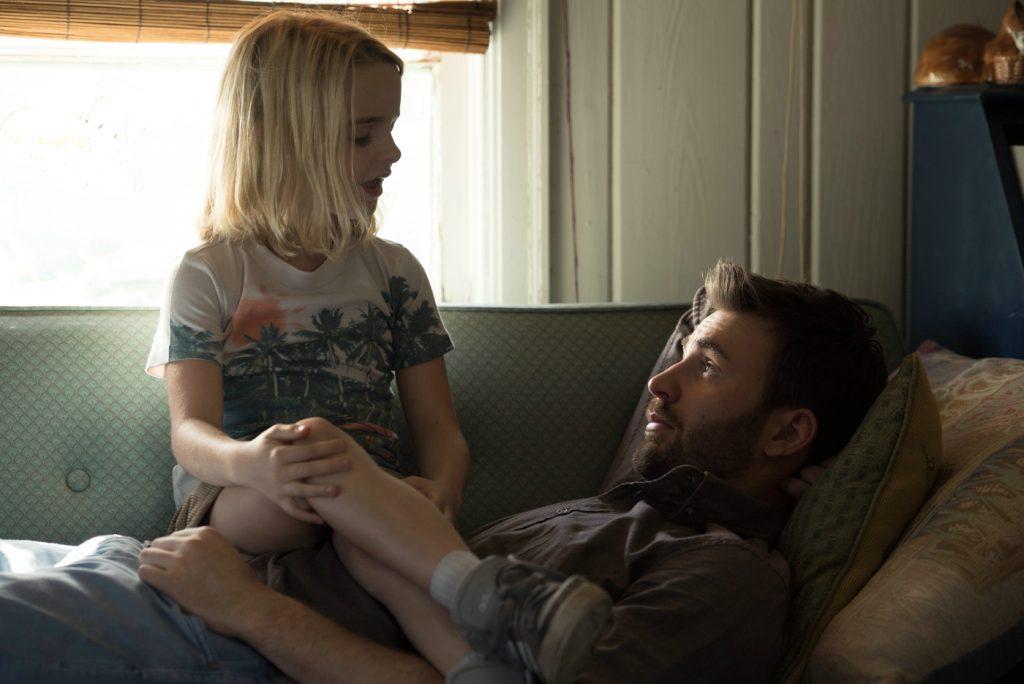 Frank und die kleine Mary auf dem Sofa in Begabt - Die Gleichung eines Lebens