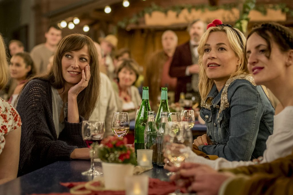 "Alexandra Maria Lara und Franka Potente als ""Ingrid"" & ""Ute"" in ""25 km/h"" © Sony Pictures"
