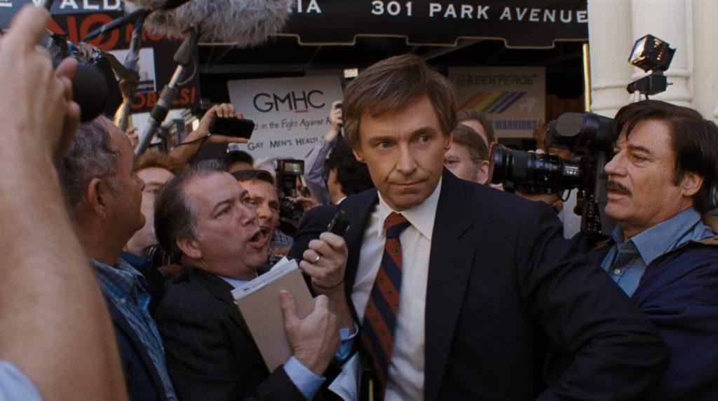 Gary Hart wird von der Presse belagert in Der Spitzenkandidat © 2018 Sony Pictures Entertainment GmbH