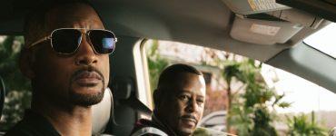 Will Smith und Martin Lawrence schauen aus einem Auto. Es wird sicher einer der erfolgreichsten Filme 2020: Bad Boys III