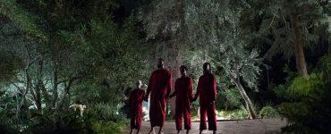 Gruselige Gestalten in der Einfahrt in Wir © Universal Pictures 2019