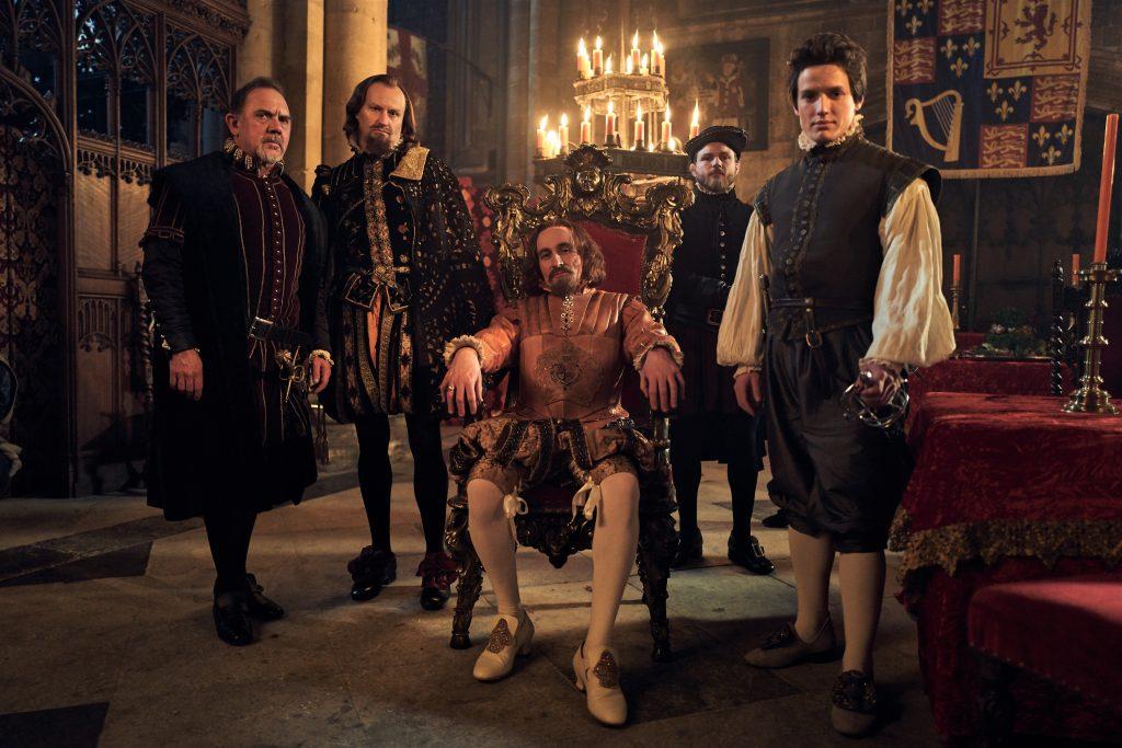 Der König und sein Gefolge in Gunpowder. © Justbridge Entertainment
