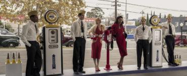 Schauspieler an einer Tankstelle in Hollywood