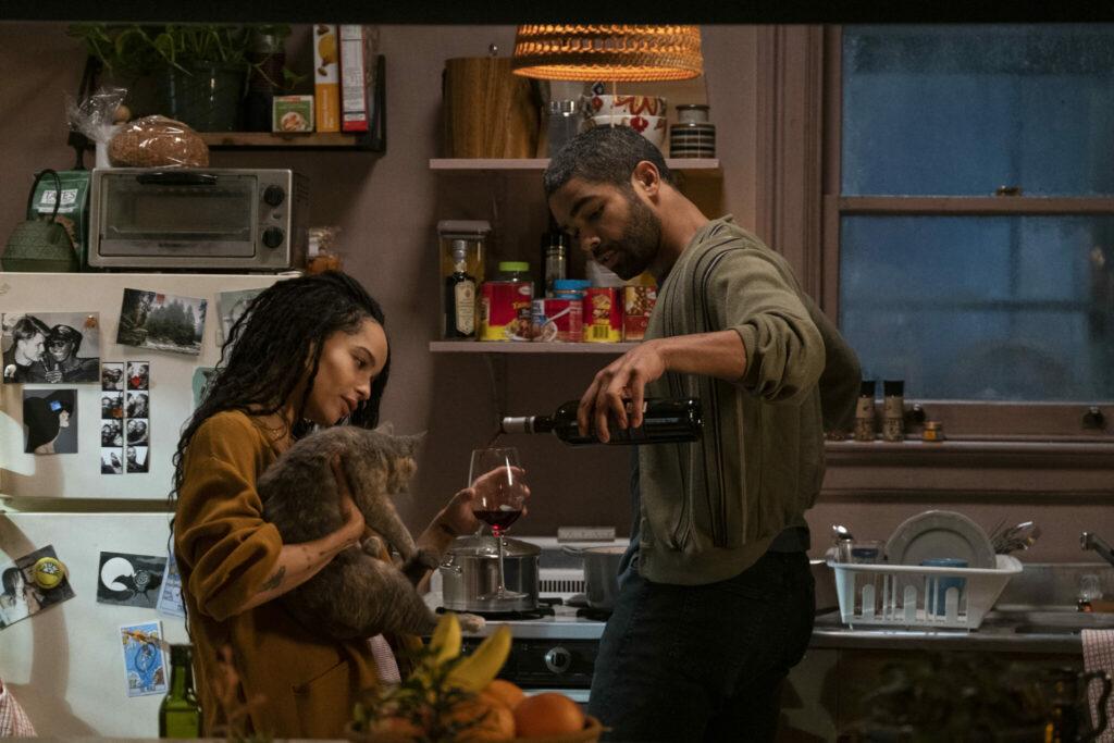 Ein Einblick in die Beziehung von Robyn Brooks (Zoë Kravitz) und Ex-Freund Mac (Kingsley Ben-Adir) © Hulu