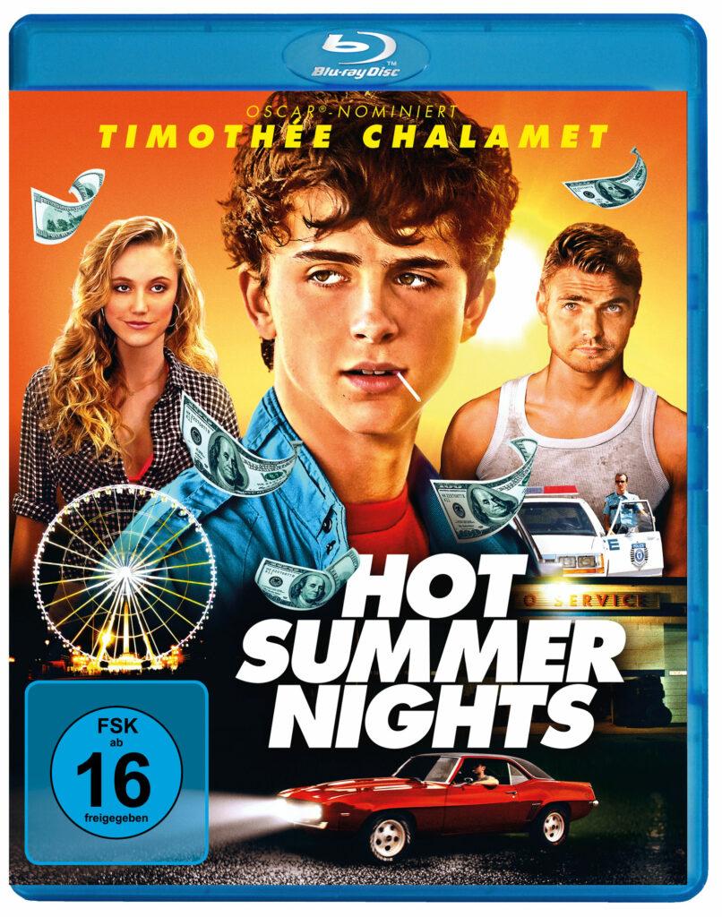 Das Blu-ray-Cover von Hot Summer Nights zeigt die drei Protagonisten des Filmes. Im Vordergrund ist in Großaufnahme Timothée Chalamet zu sehen.