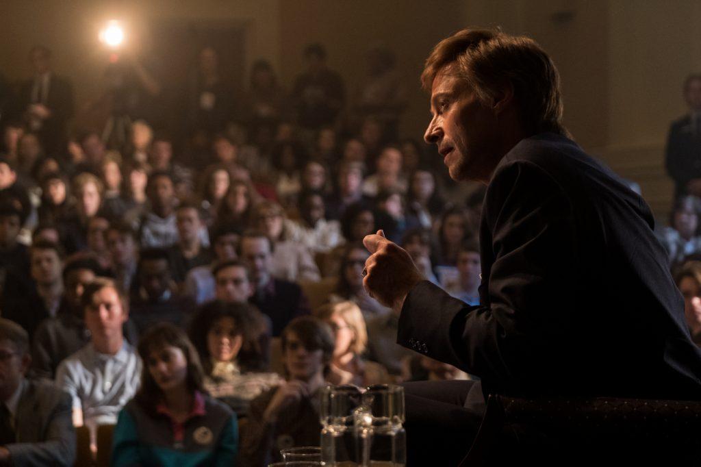 Hugh Jackman als Gary Hart in einer politischen Diskussion in Der Spitzenkandidat © 2018 Sony Pictures Entertainment GmbH