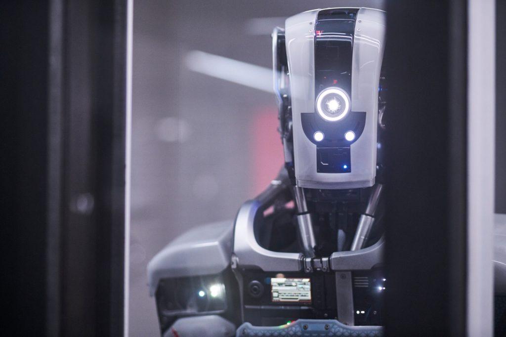 Der geheimnisvolle Android in I Am Mother © 2019 Concorde Filmverleih GmbH