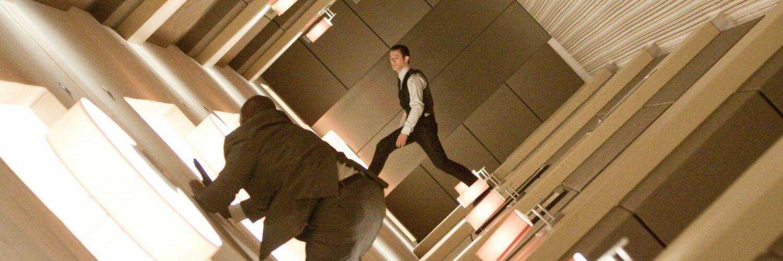 Joseph Gordon-Levitt kämpft mit der Schwerkraft in Inception von 2010