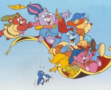 Die Gummibärenbande gehört zu den besten Kinderserien der 80er. Auf dem Bild sind die Helden dieser Serie auf einem fliegenden Teppich.