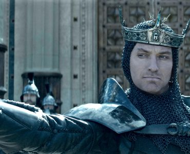 King_Arthur_Legend_of_the_Sword_Jude Law