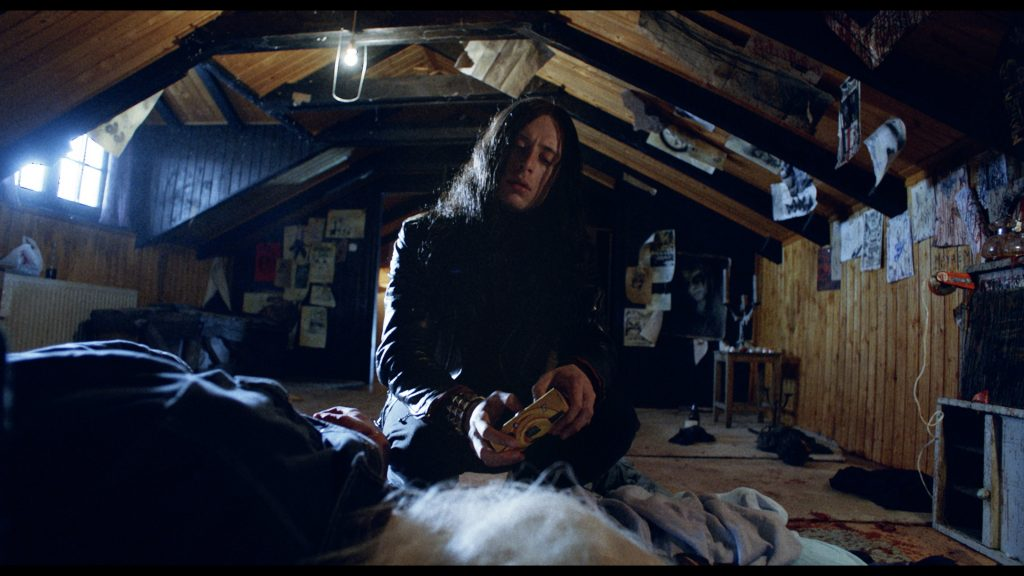 Die kontroversen Aufnahmen durch Euronymous entstehen. | LORDS OF CHAOS © Studio Hamburg Enterprises