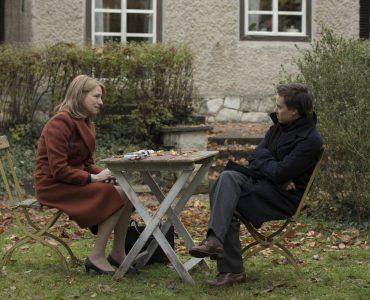 Lara (Corinna Harfouch) im Gespräch mit ihrem Sohn Victor (Tom Schilling) in Lara © 2019 STUDIOCANAL : Frederic Batier