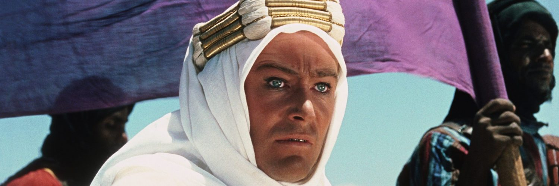 Lawrence von Arabien (Peter O'Toole) in nachdenklilcher Pose