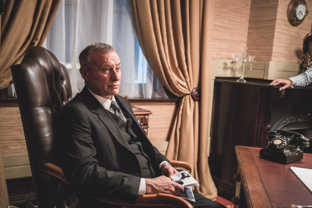 "Michael Nyqvist als Premierminister Südafrikas in ""Madiba"" © justbridge entertainment"
