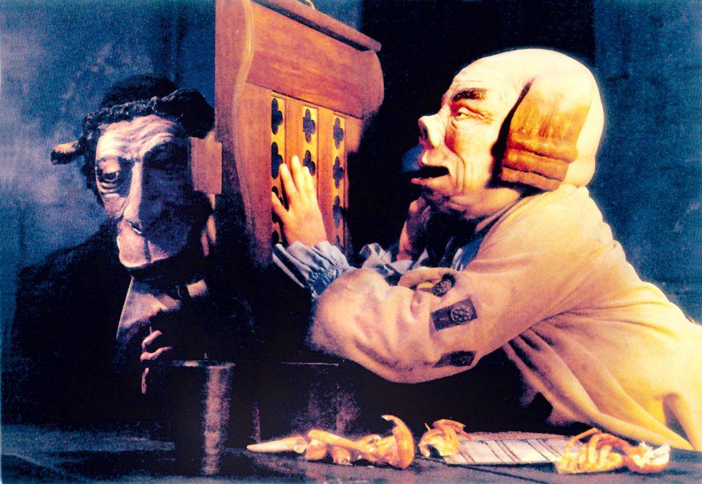 Auch die Kirche steckt mitten im intriganten Ränkespiel | MARQUIS © 1989/2008 – YC ALIGATOR FILM – TCHIN TCHIN PRODUCTION
