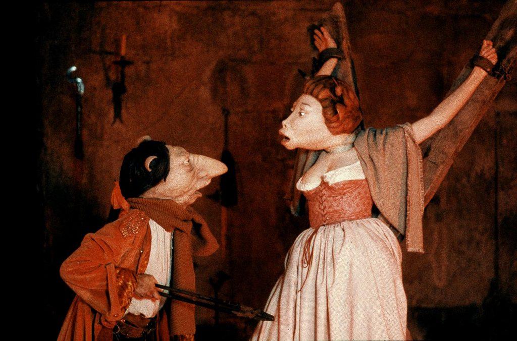 In den Kellergewölben der Bastille werden auch Jungfrauen nicht von der Folter verschont | MARQUIS © 1989/2008 – YC ALIGATOR FILM – TCHIN TCHIN PRODUCTION