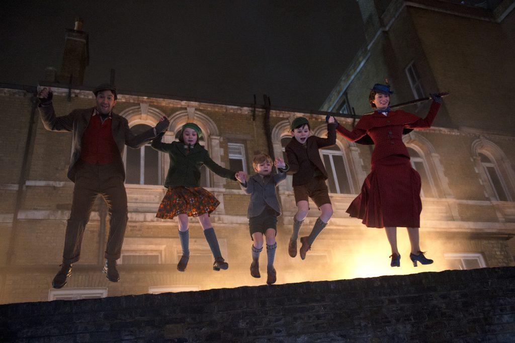 Mary Poppins, Jack und die Kinder erwarten des nachts zahlreiche magische Momente in Marry Poppins Rückkehr © 2018 The Walt Disney Company Germany