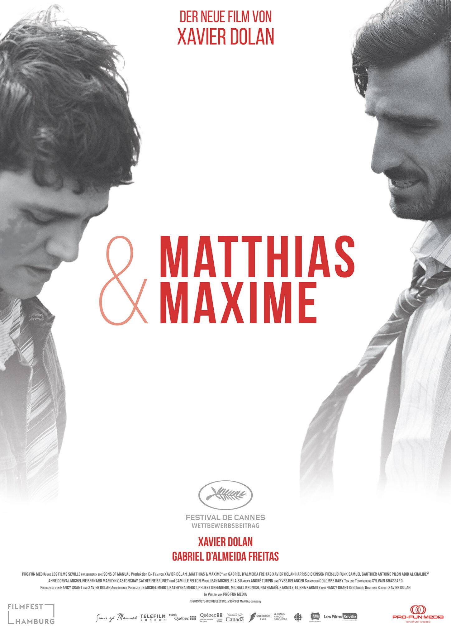Das Poster zu Matthias & Maxime zeigt den Titel in roter Schrift auf einem Schwarz-Weiß-Bild der beiden Hauptcharaktere Matthias (Gabriel D'Almeida Freitas) und Maxime (Xavier Dolan).