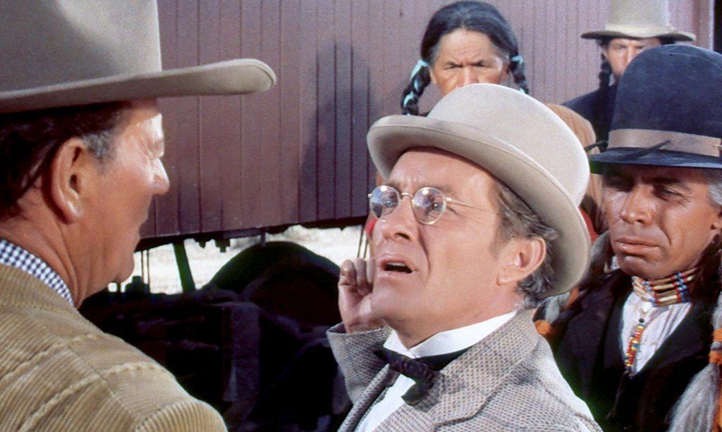 John Wayne von schräg hinten in McLintock!