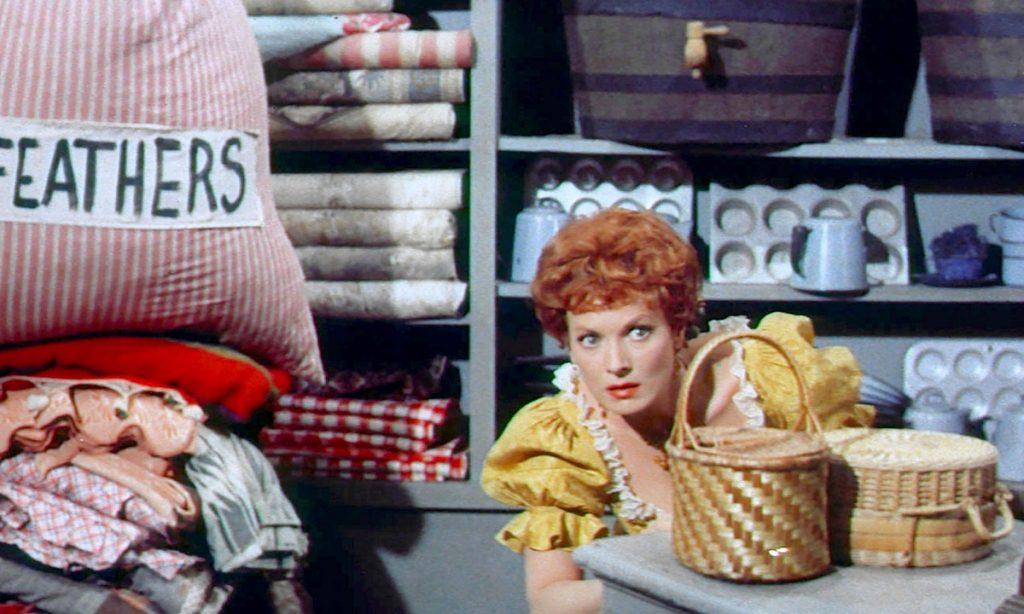 Maureen O'Hara versteckt sich in McLintock!
