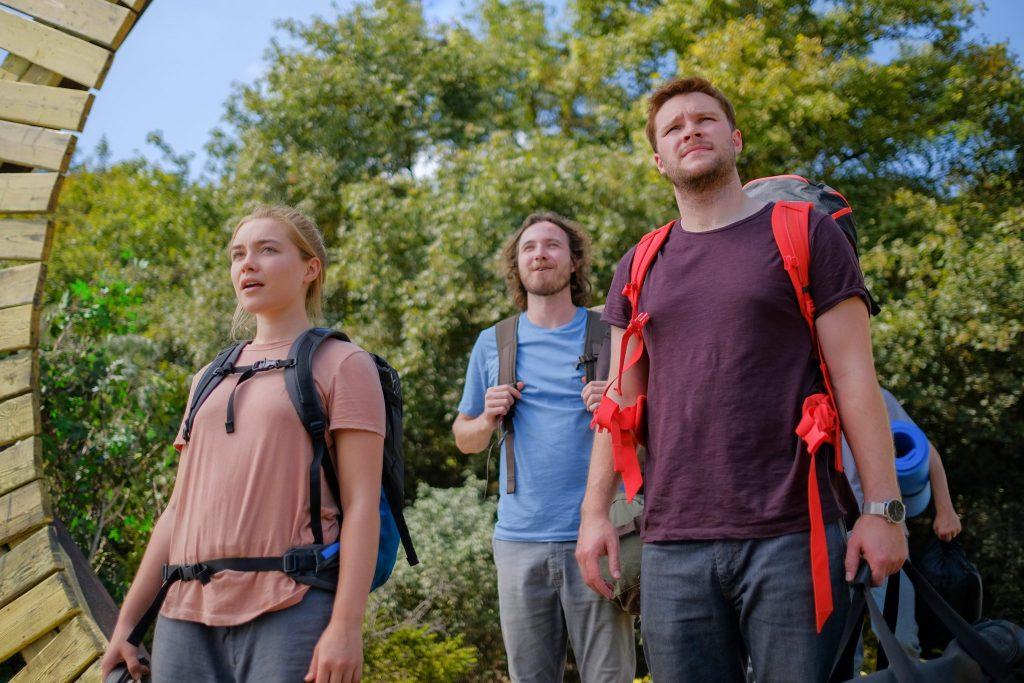 Vier Wanderer treffen in der Kommune ein in Midsommar - Neu bei Prime im März 2020