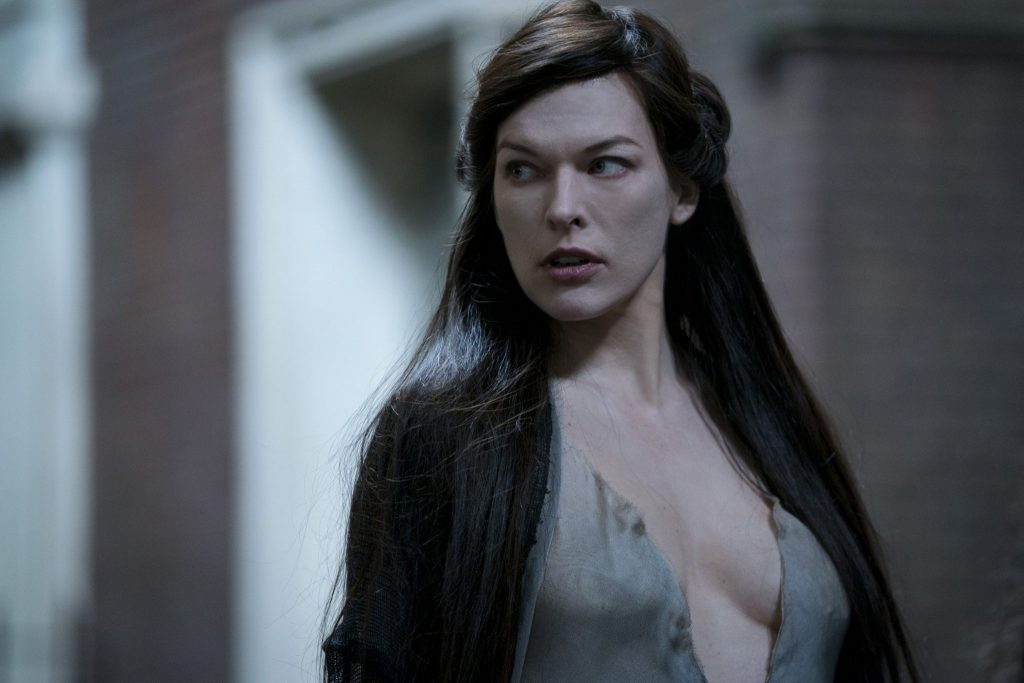 Milla Jovovich als Hexe Nimue in Hellboy - Call of Darkness © Universum Film
