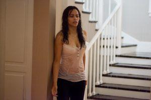 Die dunkle Macht aus der Zwischenwelt setzt Amys (Paula Patton) Haus unter Wasser in Mirrors