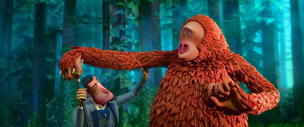 Der Forscher begutachtet skeptisch den Bigfoot in Mister Link - Ein fellig verrücktes Abenteuer
