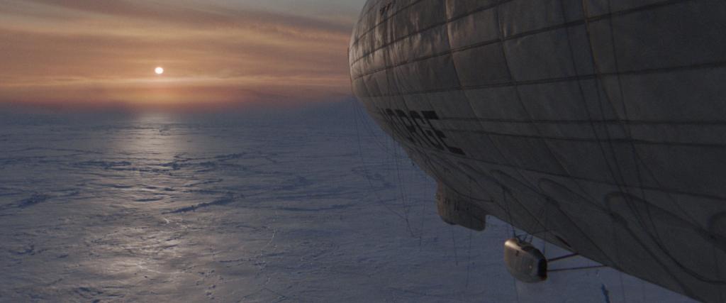 Luftschiff fliegt über den Nordpol, Sonne geht hinter dem Eis unter | Amundsen - Wettlauf zum Südpol