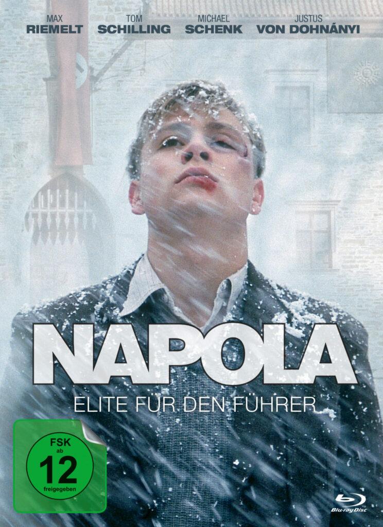 Zu sehen ist Friedrich im Schneesturm mit aufgeplatzter Lippe und einem blauen Auge.