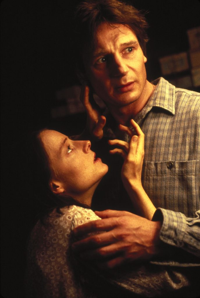Liam Neeson und Jodie Foster in Nell. © Justbridge Entertainment