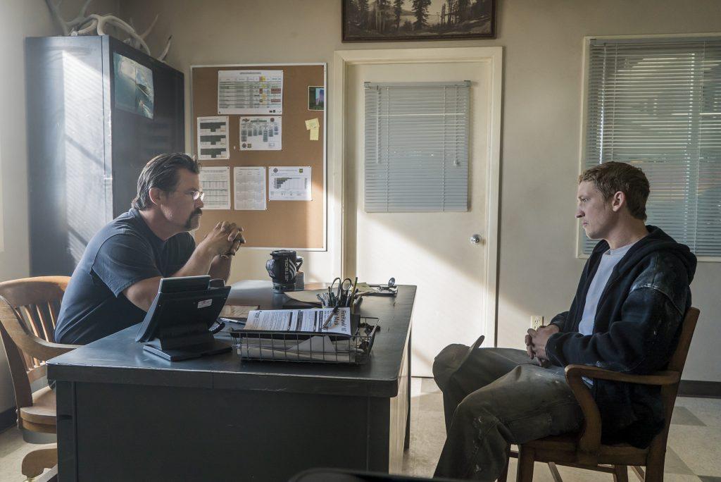 "Eric Marsh (Josh Brolin) gibt Brendan ""Donut"" McDonough (Miles Teller) eine Chance ©StudioCanal"