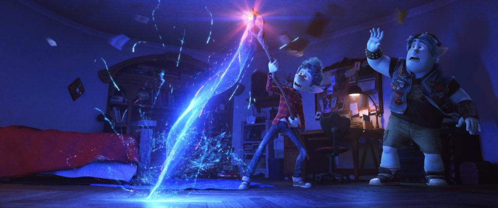 Ian (Tom Holland) und Barley (Chris Pratt) beschwören Onward: Keine halbe Sachen ihren verstorbenen Vater.