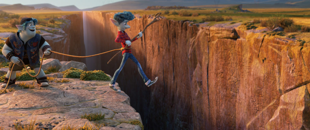 Auf ihrer Reise müssen Ian (Tom Holland) und Barley (Chris Pratt) in Onward: Keine halben Sachen einige Herausforderungen bestehen.