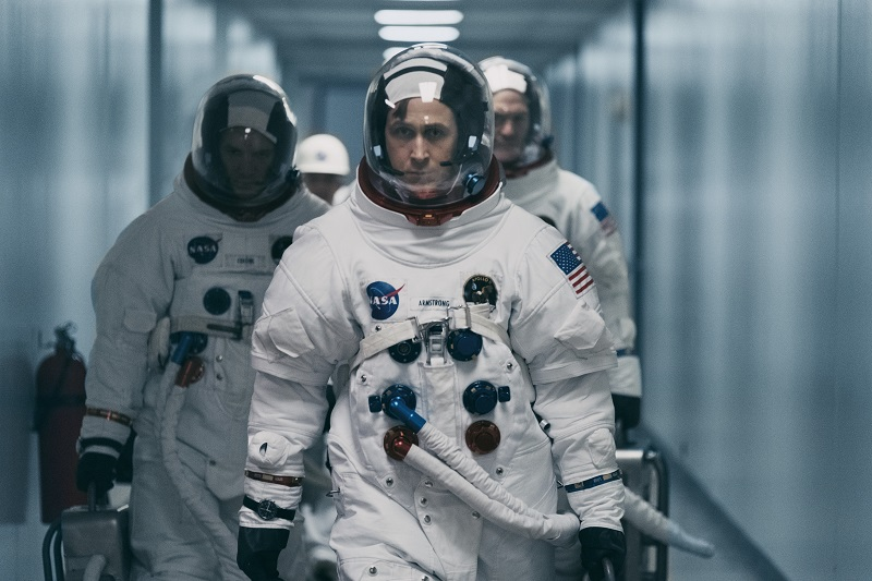 Neal Armstrong führt seine beiden Kollegen auf dem Runway zur Apollo 11 an - Neu bei Prime im Juli 2020