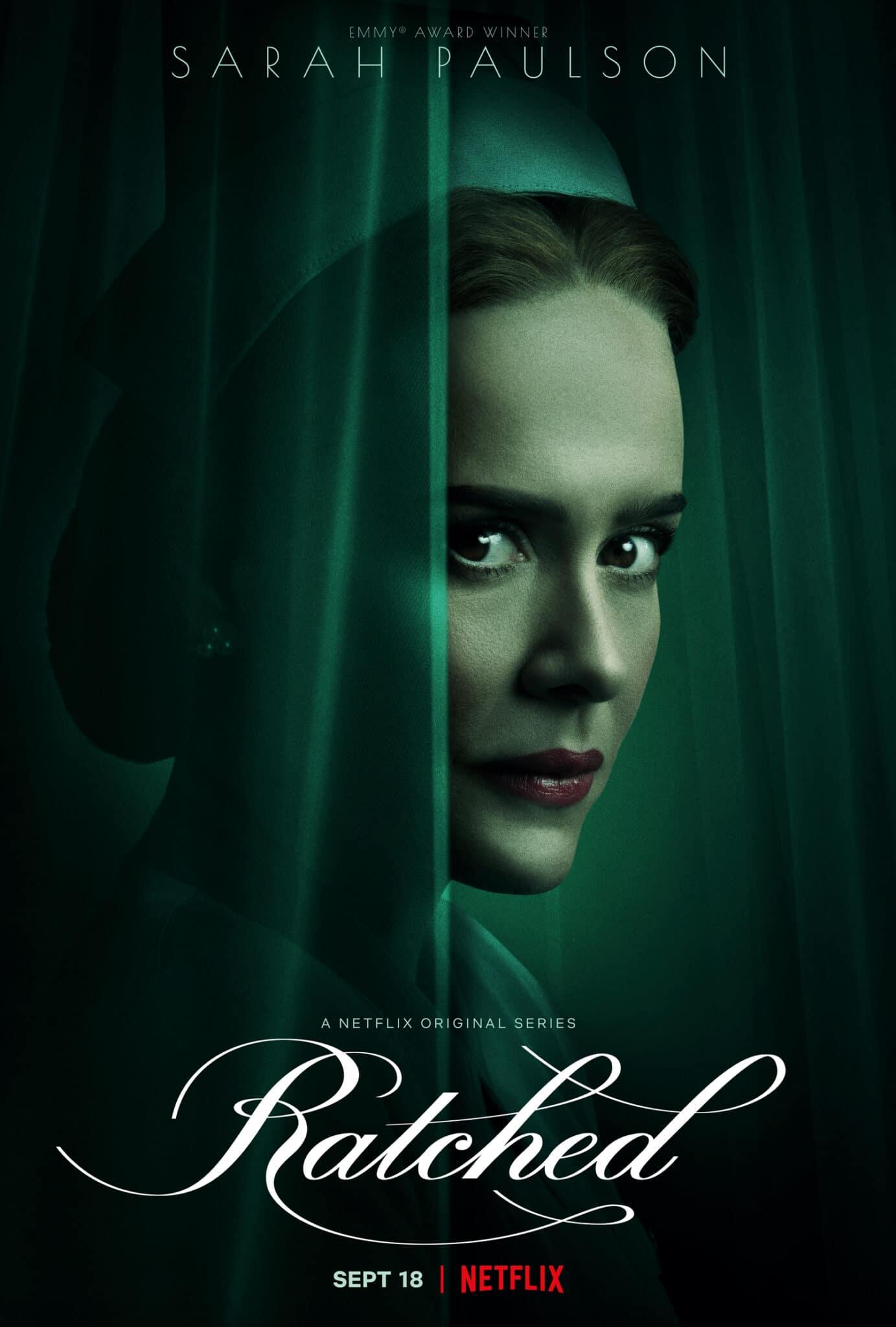 Das Poster von Ratched zeigt die Titelfigur Mildred Ratched umrahmt von einem grünen Vorhang.