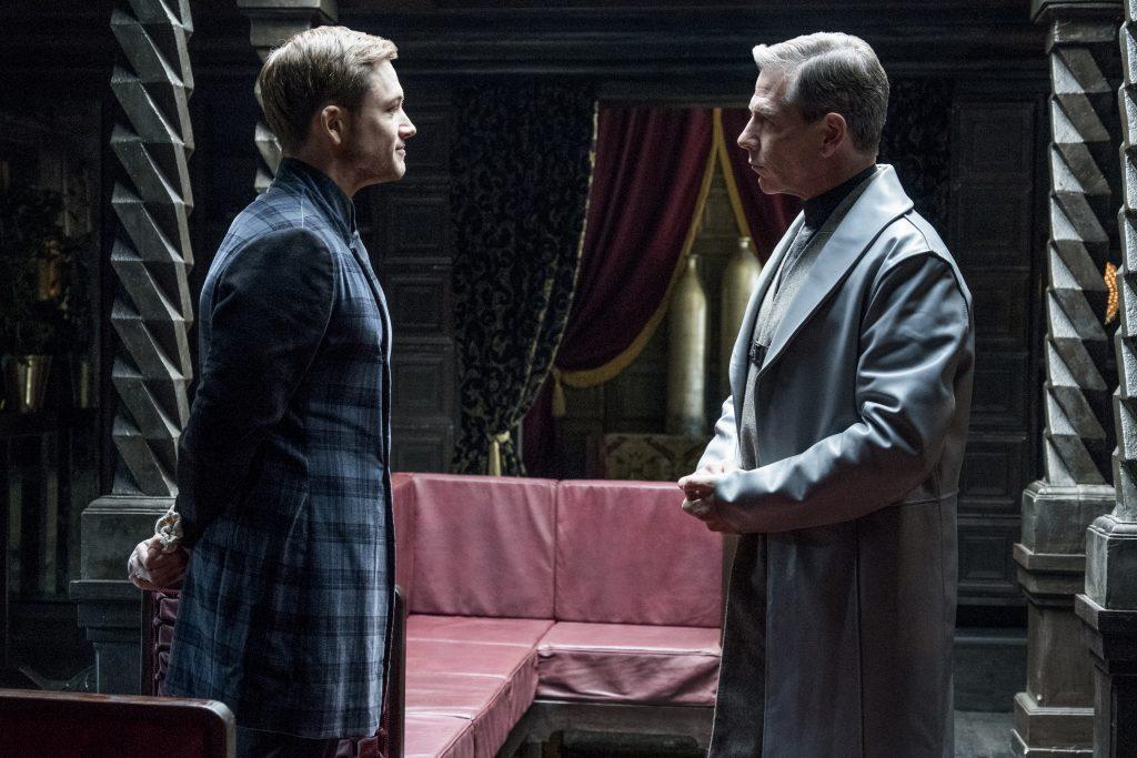 Robin von Locksley (Taron Egerton) und der Sheriff von Nottingham (Ben Mendelsohn) ©StudioCanal