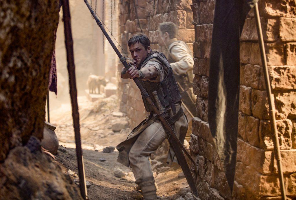 Robin von Locksley (Taron Egerton) während des Kreuzzuges ©StudioCanal