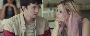 "Asa Butterfield und Emma Mackey in ""Sex Education"" © Netflix"