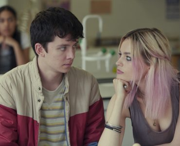 "Asa Butterfield und Emma Mackey in ""Sex Education"" © Netflix"