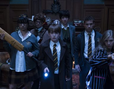 Beitragsbild zum Review von Slaughterhouse Rulez © 2018 Columbia Pictures Industries, Inc. All Rights Reserved.