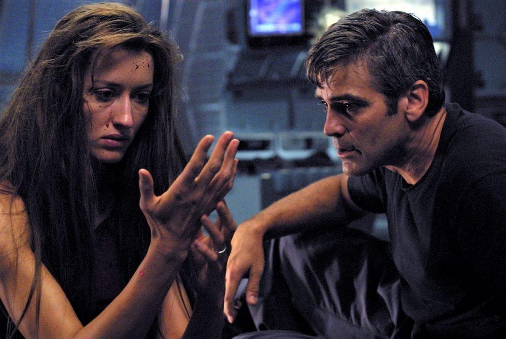 Chris Kelvin (George Clooney) zusammen mit seiner geliebten Frau Rheya (Natascha McElhone) in Solaris. © 2018 FilmConfect Home Entertainment GmbH