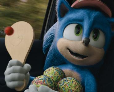 Sonic the Hedgehog spielt mit einem Ball