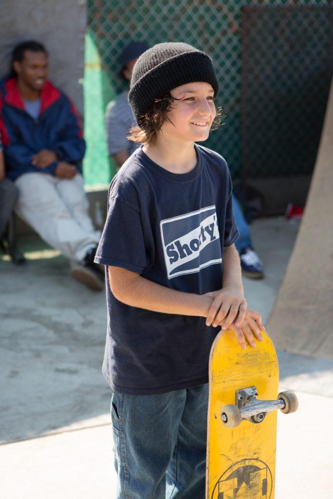 Stevie will Skateboardfahren lernen in Mid90s @ 2018 JAYHAWKER HOLDINGS, LLC