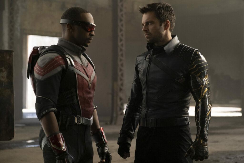 Falcon und Winter Soldier stehen sich Auge in Auge gegenüber - Neu bei Disney+ im März 2021