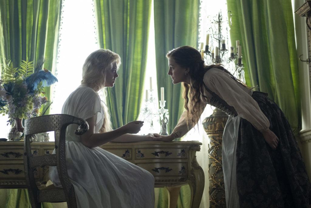Marial steht der Kaiserin in ihrem Zimmer gegenüber, The Great