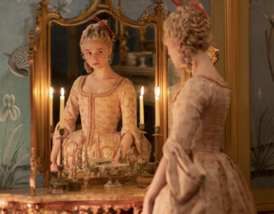 Katharina steht vor einem Spiegel, The Great
