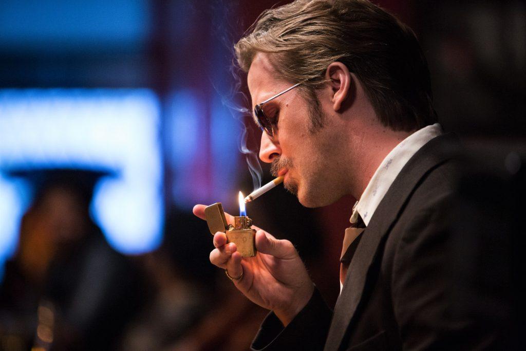 Wer behauptet, Ryan Gosling sähe in The Nice Guys in seinem 70er Jahre Outfit nicht genial aus, der hat die Kontrolle über sein Leben verloren. © Concorde Home Entertainment