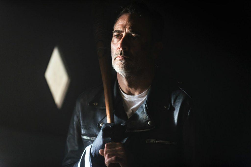 Jeffrey Dean Morgan als Negan in The Walking Dead Staffel 8. © 2018 Twentieth Century Fox Home Entertainment