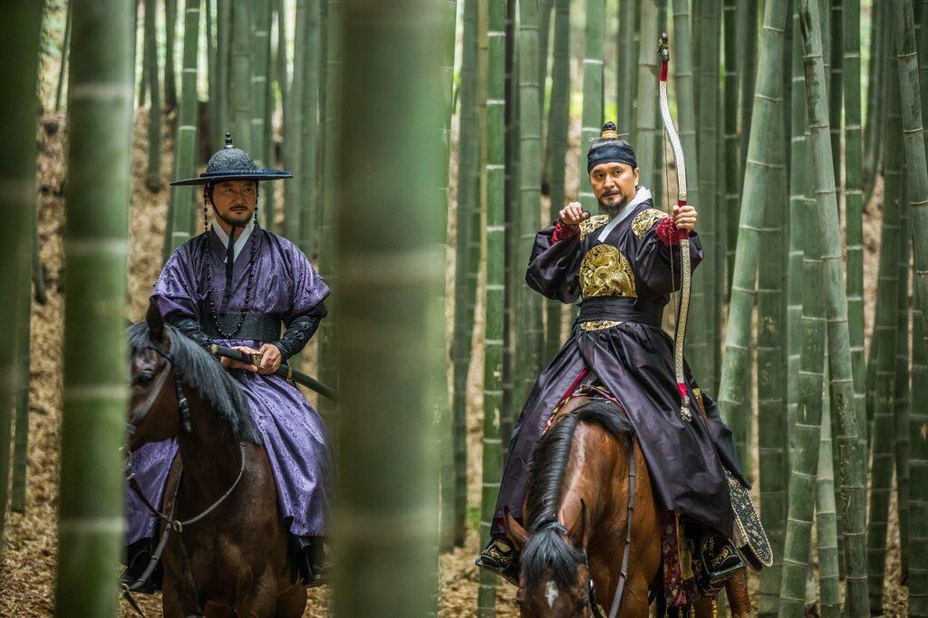 Jeong Man-sik begleitete den ehemaligen König als treuer Schwertmeister auch zur Jagd im Bambuswald - The Swordsman